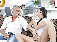 DADDY4K. Money-shot in mouth culminates nice hook-up of dad and..