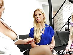 Lesbian blonde slobbers daughter pussy in treatment