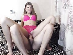 Young web cam couple does hand and blowjob