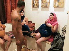 Soiree female creampie xxx Hot arab women attempt 4 way