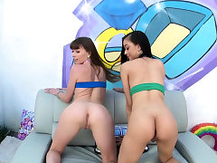 We asked Scarlett Bloom and Alex Blake how they like to