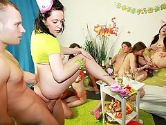 Extraordinaire schoolgirl B-day party romp video