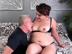 Massive Teenie Raven XXX Pleasures Elderly Man